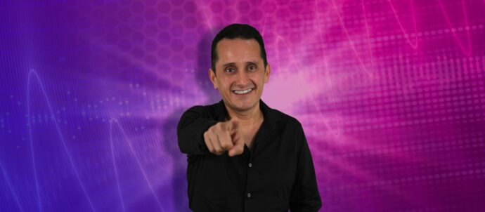 Supersónico Julio Hernández